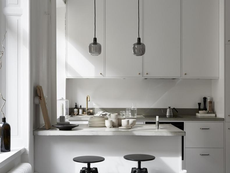 I wish I lived here: minimal monochrome living