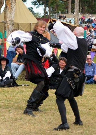 35120_1467136791994_655607_n abbey medieval festival Abbey Medieval Festival 2010 35120 1467136791994 655607 n
