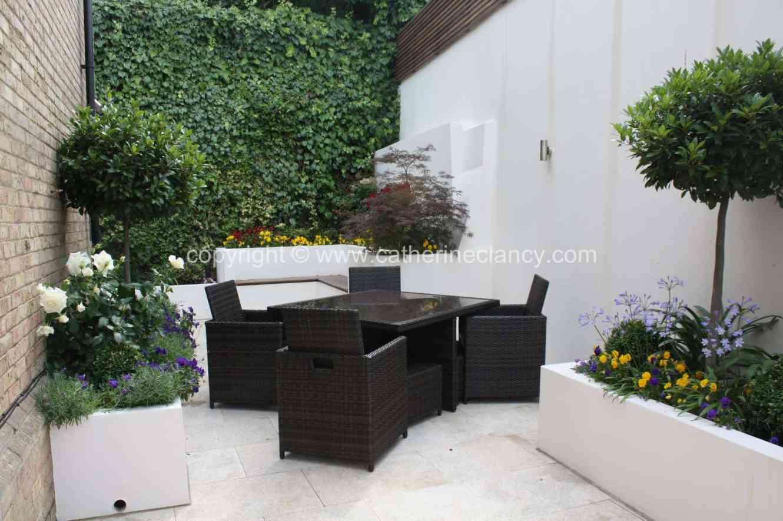 chic-courtyard-2