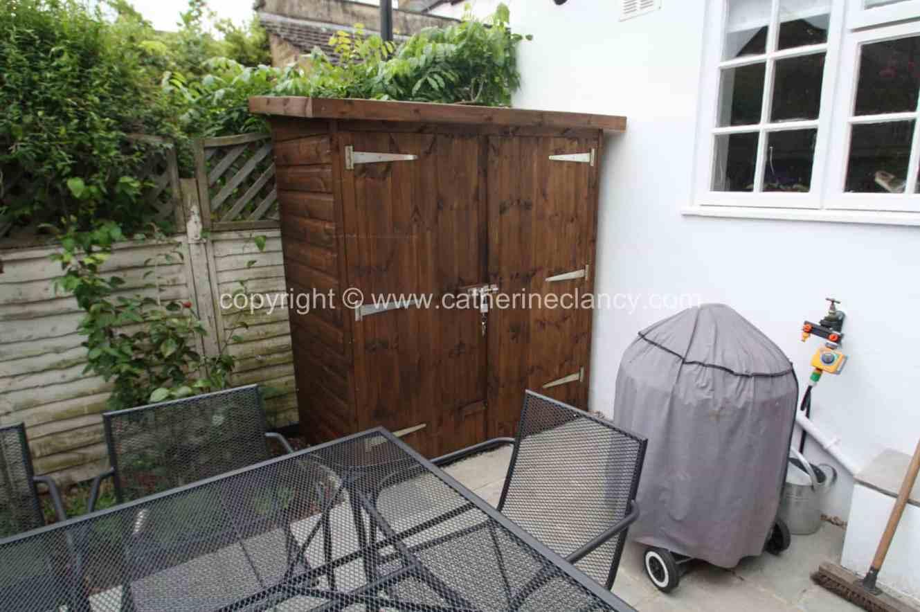 low-maintenance-courtyard-5