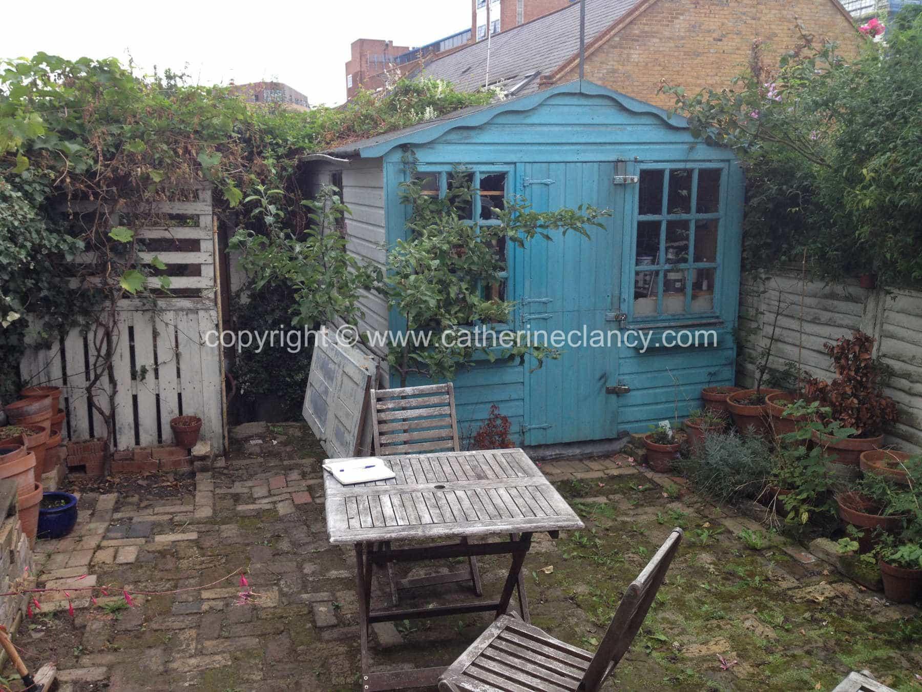 low-maintenance-courtyard-8