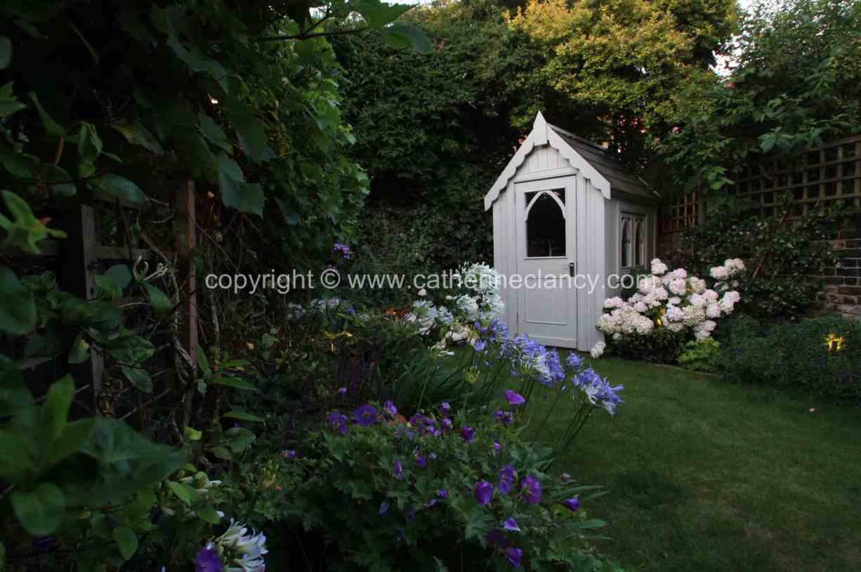 long-thin-terraced-garden-1