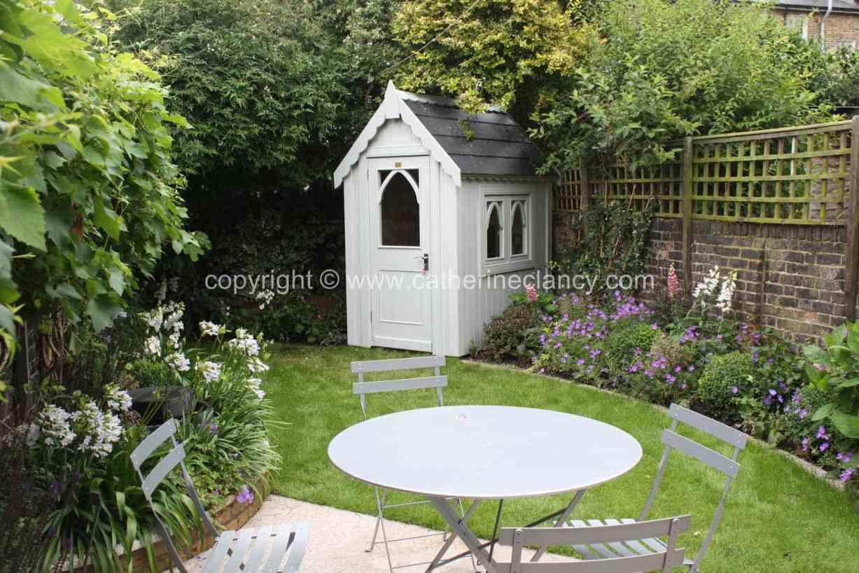 long-thin-terraced-garden-2