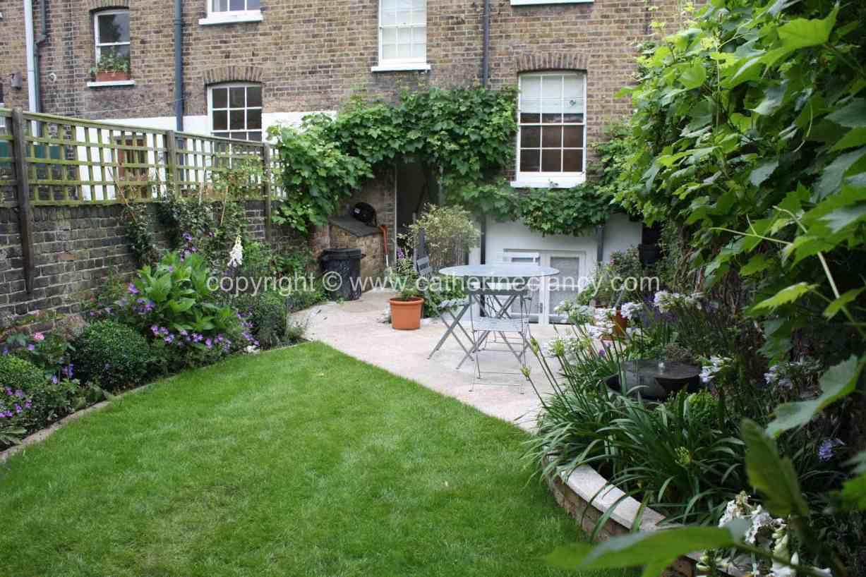 long-thin-terraced-garden-5