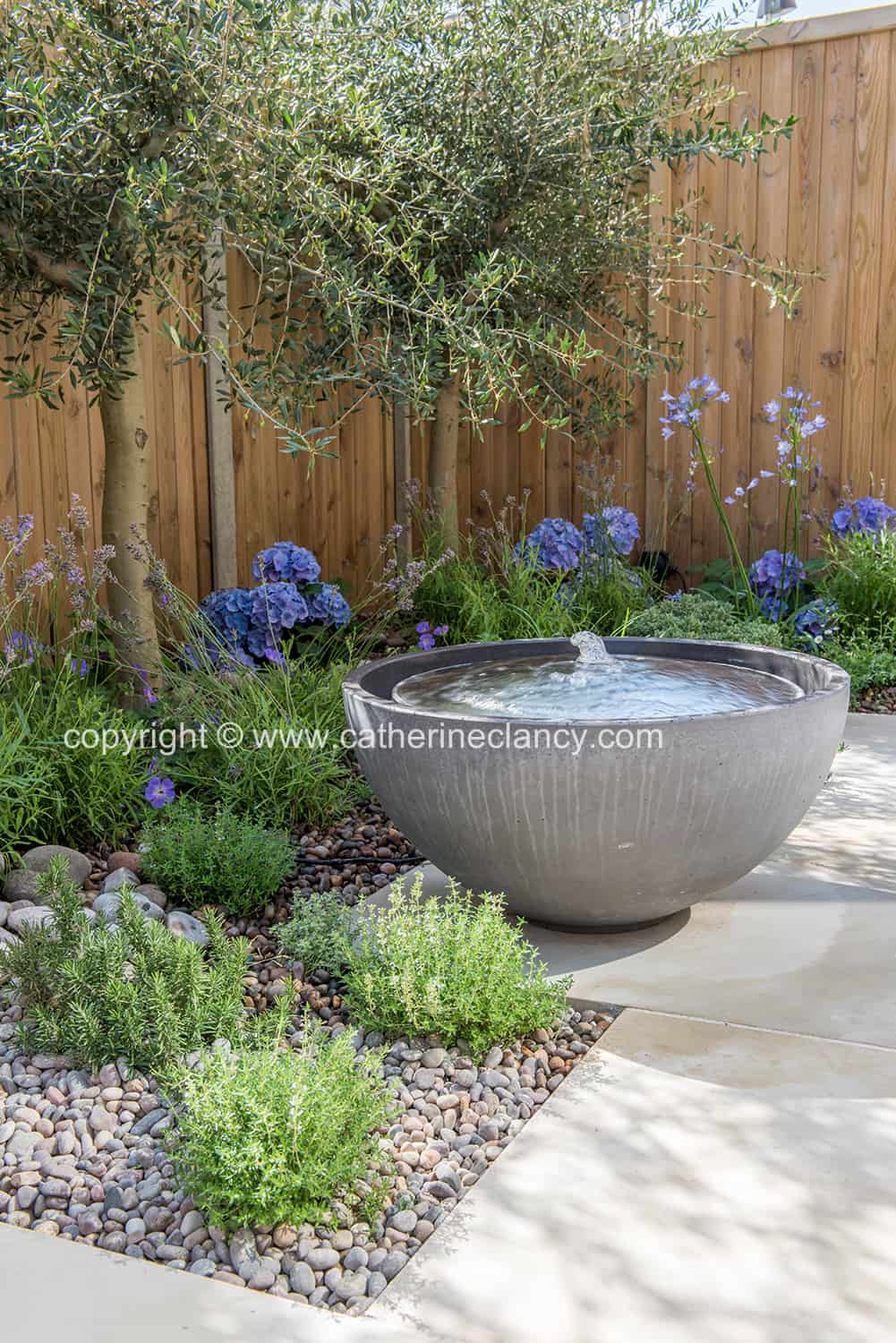 solus waterfeature