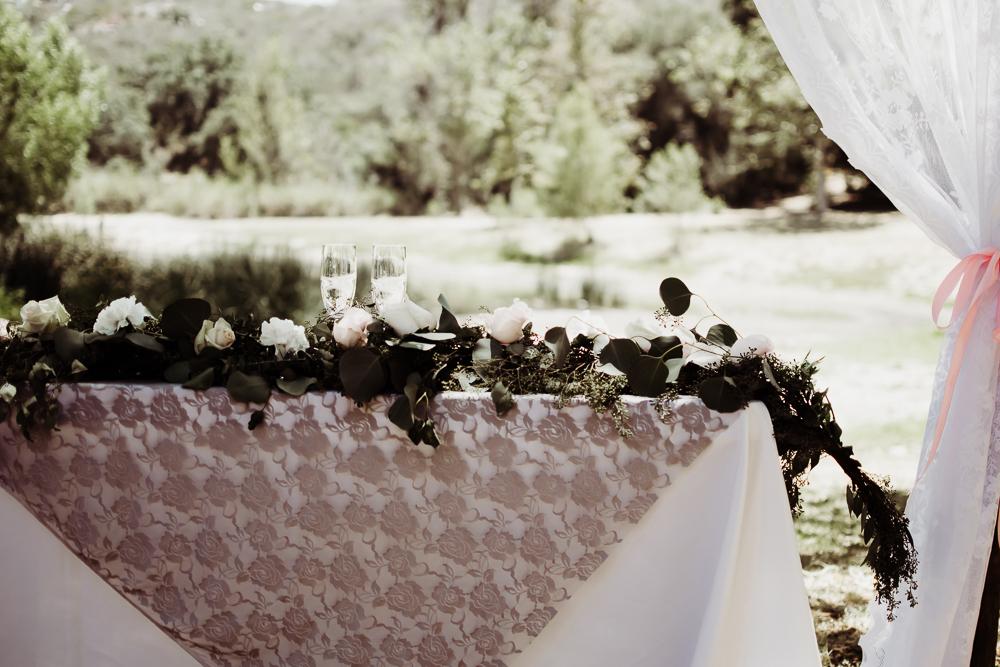 flower arrangement sweetheart table {virginia beach wedding couples family newborn photographer}