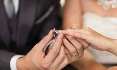 Marriage and divorce rates both fall in New Zealand