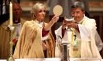 """No women priests 'intolerable"""" says former papal nuncio"""