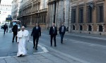 Pope visits deserted Rome, and prays