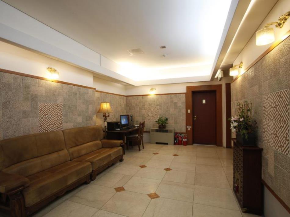 Queen Incheon Airport Hotel