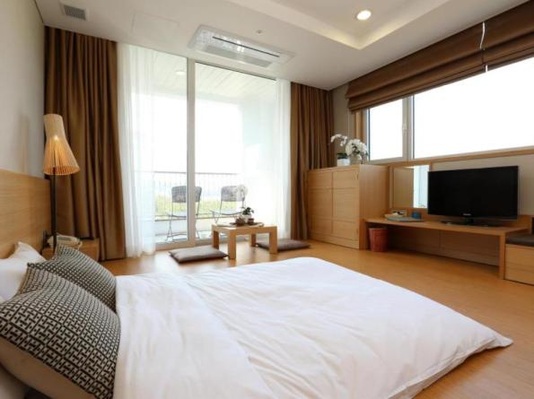 The Suite Hotel Naksan