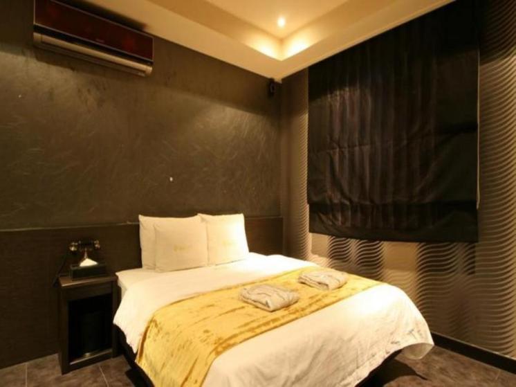 WIIZ Hotel
