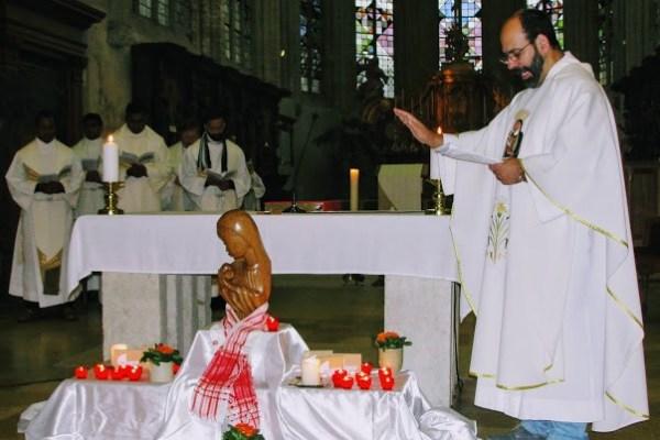 candles mass