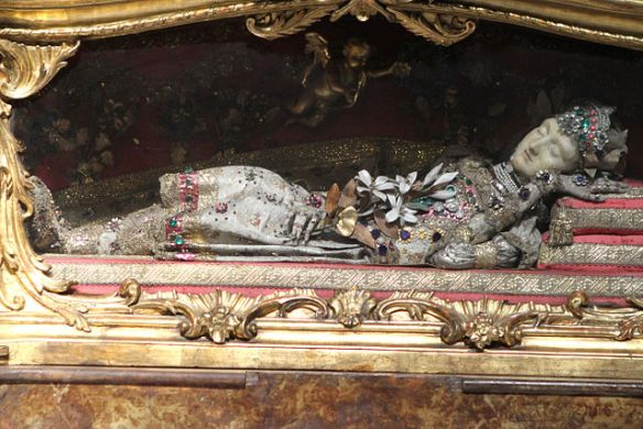 Reliquary of Saint Hilaria, at the Franciscan Church dedicated to Saint Jerome in Augsburg, Bavaria, photo by PictureObelix, some rights reserved (source)