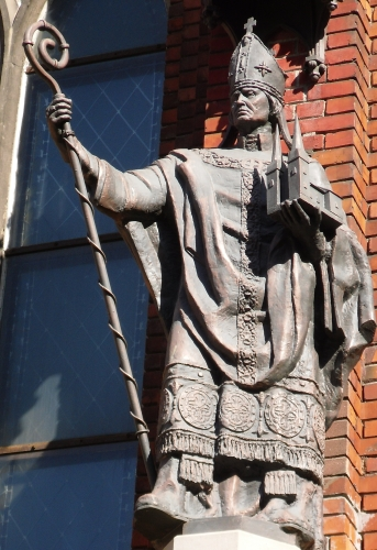 statue of Bishop Albert of Riga, date and artist unknown; Dome Cathedral, Riga, Livonia; photographed on 23 May 2010 by Artifex; swiped from Wikimedia Commons