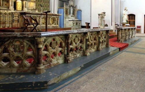 marble and alabaster altar rail, sanctuary of Our Lady of Mount Carmel, Toxteth, Liverpool, England; photographed on 9 September 2017 by Rodhullandemu; swiped from Wikimedia Commons