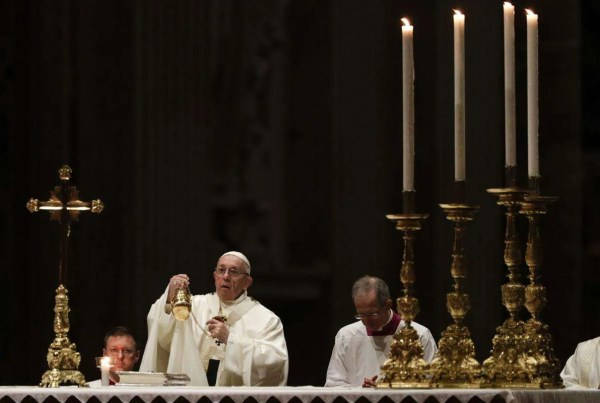 Choose every day to follow Jesus, Pope Francis says on Candlemas