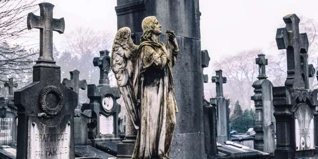 9 Short prayers to help you remember and prepare for death