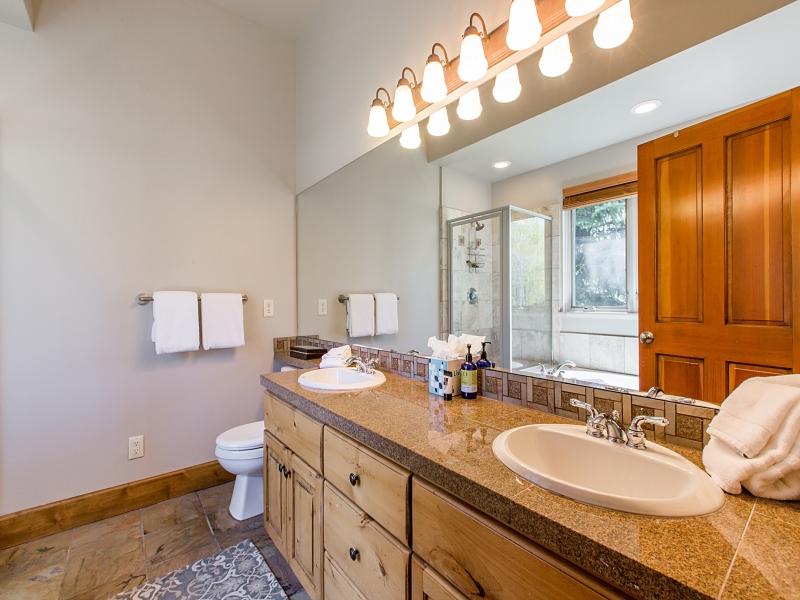 bathroom1_800x600_3286154