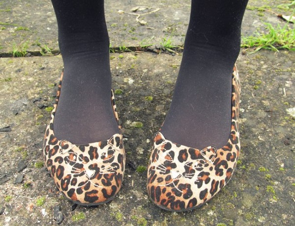 leopard print kitty-cat shoes