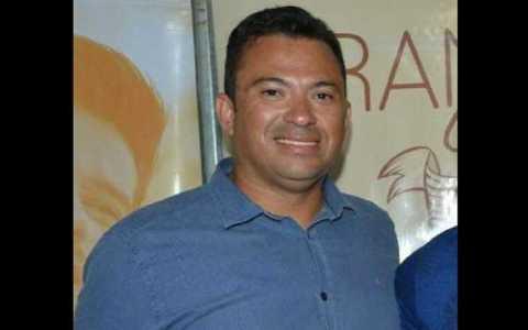secretario de prefeitura de cidade do sertao comete suicidio dentro de veiculo