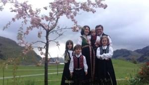 Acusados de adoctrinamiento cristiano el gobierno noruego separa a cinco niños de sus padres.