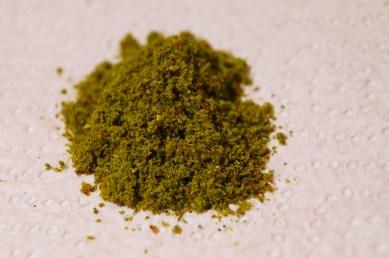 poudre d'ortie et de graines de lin