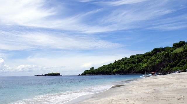 Tapi tetep saja, pantai White Sand Beach Bali ini adalah pantai terfavorit saya kalau lagi ingin berenang :D