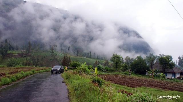 Touring Bali - Jawa kali ini akan melewati Taman Nasional Bromo Tengger Semeru.
