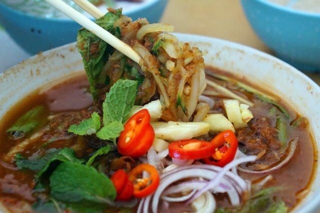 Kuliner Penang Asam Lhaksa ini satu dari 14 Kuliner Unik Penang Yang Bikin Saya Mupeng!!