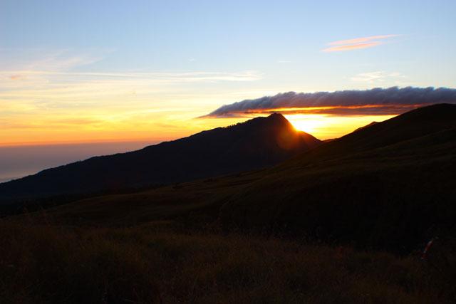Sunrise dari pos 2 Sembalun,awal indah untuk hari yang baru.