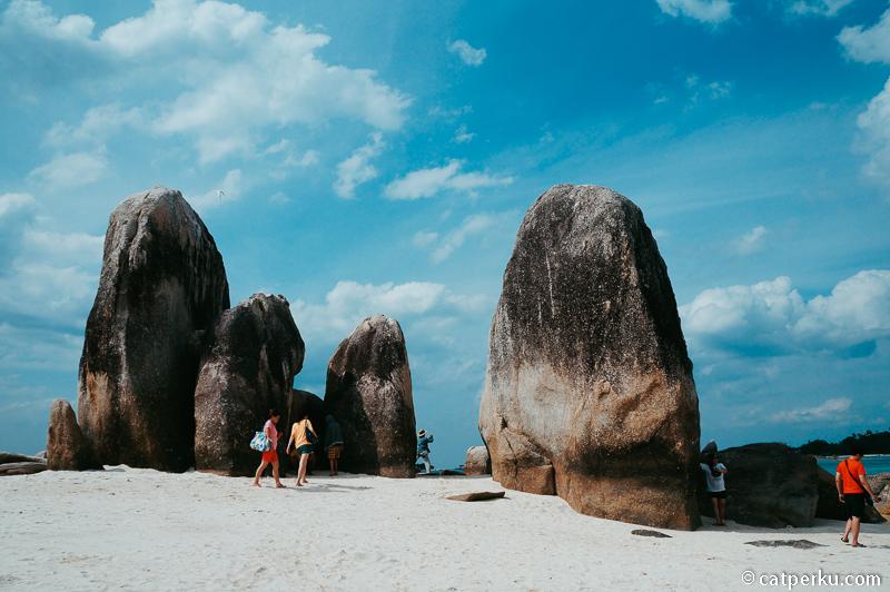 6. Pulau Batu Berlayar
