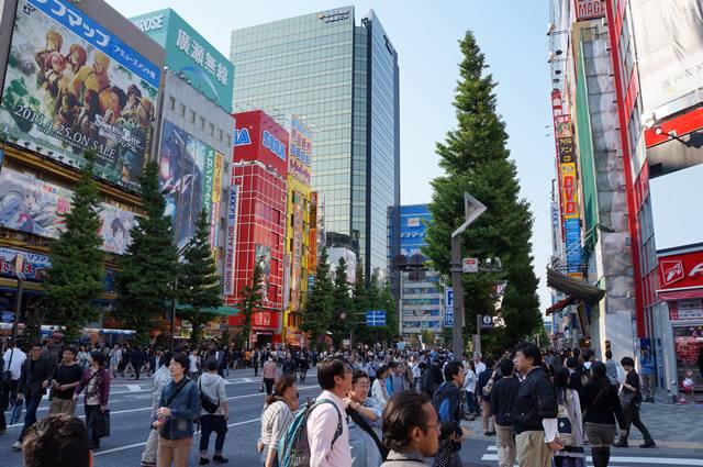 Backpacker Ke Jepang - Akihabara yang penuh sesak dengan para otaku :D