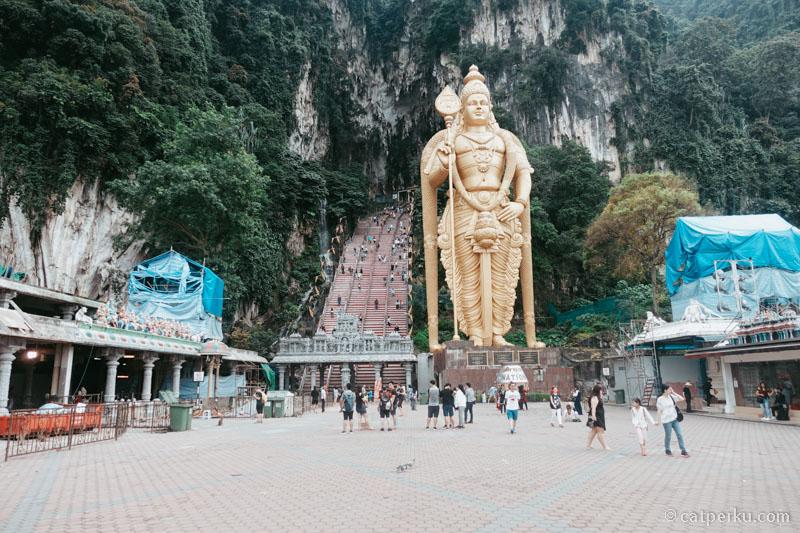 Batu Caves, salah satu tempat wisata di Kuala Lumpur yang bisa dikunjungi