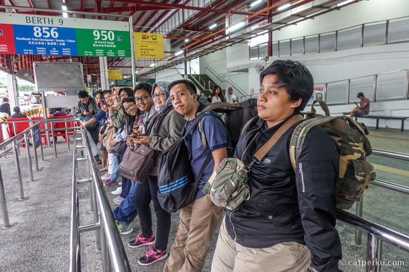 Bersiap melewati perbatasan Singapura - Malaysia, menuju JB Sentral di Johor Bahru