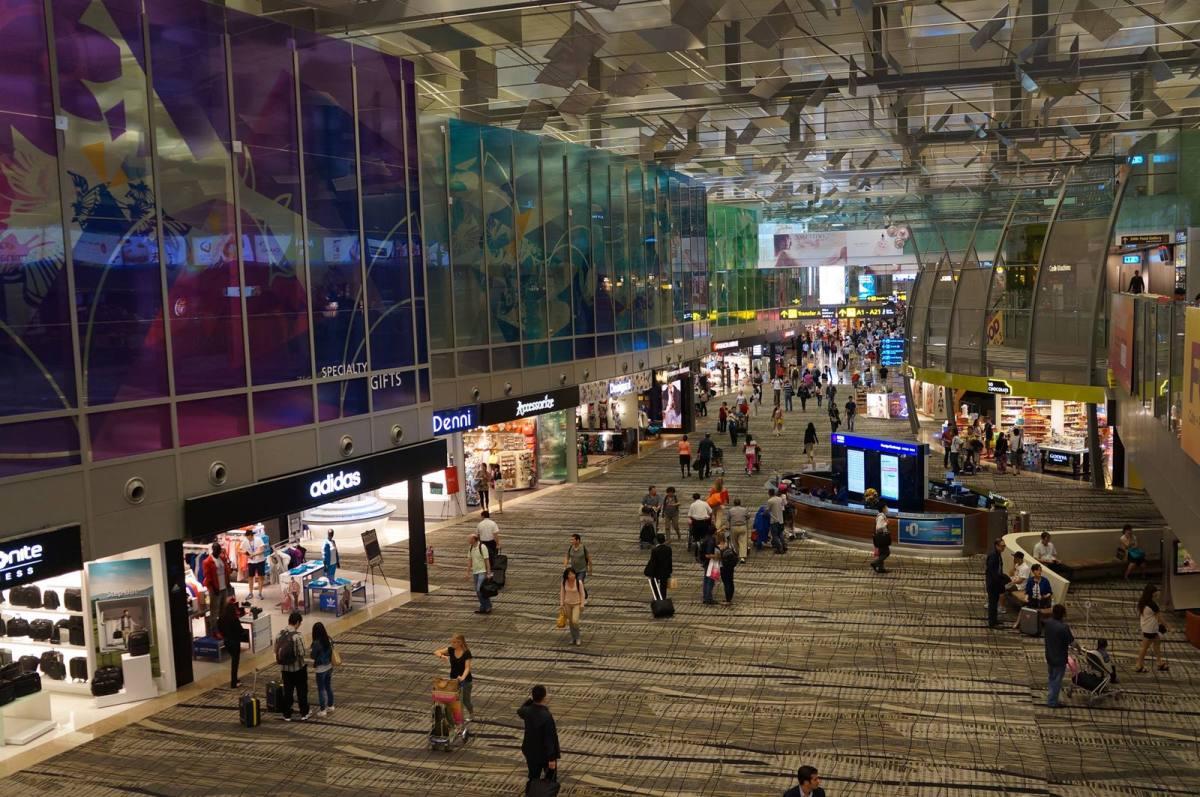 10 Cara Asik Menghabiskan Waktu Transit Di Bandara Changi Singapore