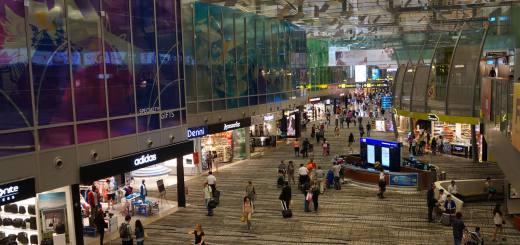 Cara Asik Menghabiskan Waktu Transit Di Bandara Changi Singapore.