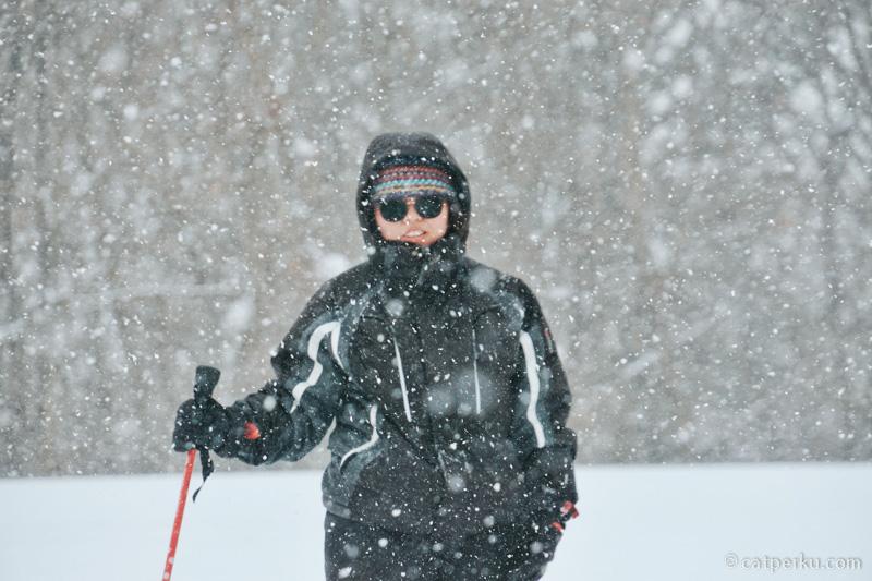 Dengan persiapan yang baik, meski badai salju seperti ini badan akan tetap hangat.