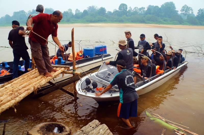 Dermaga muara Sungai Punggu Alas titik awal untuk masuk menuju camp WWF Punggu Alas