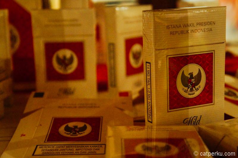 Edisi bungkus rokok untuk istana kepresidenan