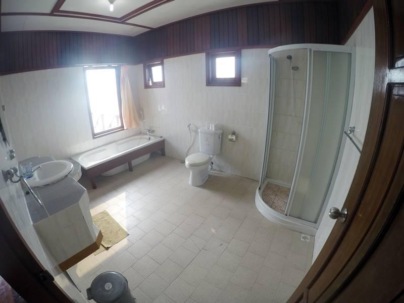 Water Villa Di Maratua Resort - Kamar Mandi