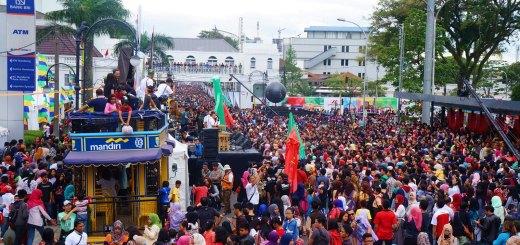 Hiruk Pikuk Asian African Carnival Bandung.