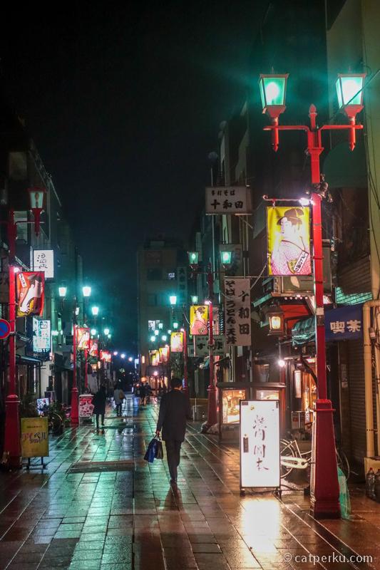 Jalan kaki keliling Asakusa Tokyo sambil berburu foto itu menyenangkan lho