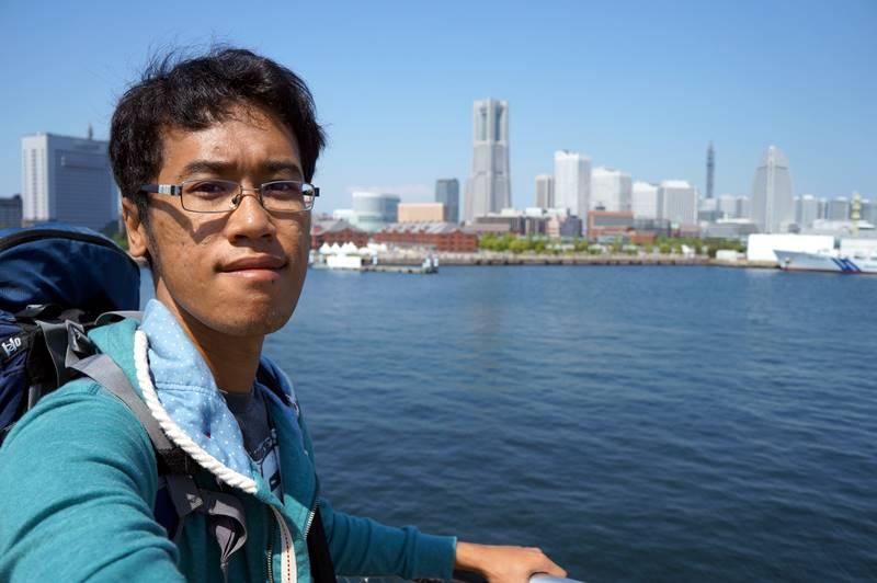Jangan lupa bawa tripod ketika backpacking ke Jepang, kalau nggak mau angle fotonya cuma selfie saja.