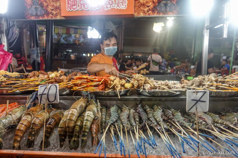 Jangan lupa kulineran di Jalan Alor!