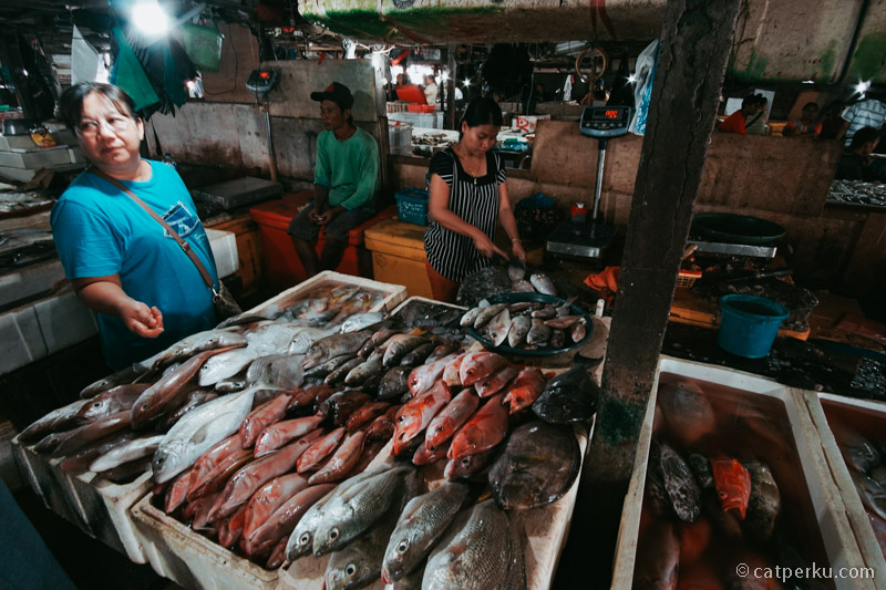 Jangan lupa mencoba seafod segar di Bali!