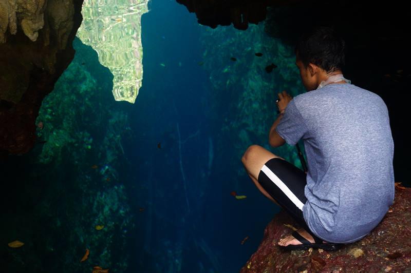 Kalau dilihat lagi gua ini memang bagaikan gua tanpa dasar ya