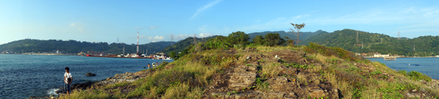 Kalau yang ini pemandangan di sisi kiri pulau ya :)