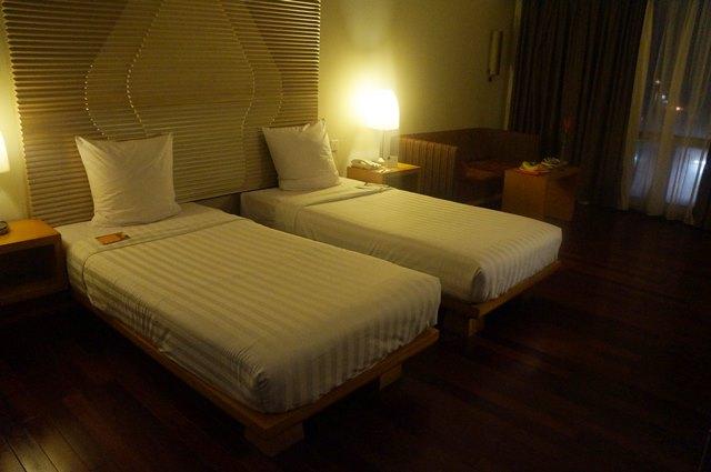 Kamar Standard Novotel dengan Twin Bed.