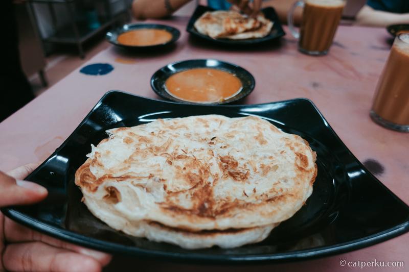 Karena ditinggali berbagai macam ras, kuliner Singapura ini cukup bervariasi macamnya.